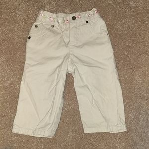 Khaki pants with flower embroidery